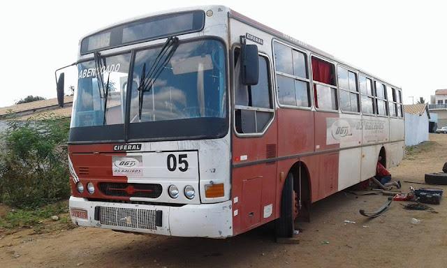 Salários atrasados e a precariedade do transporte escolar prejudicam alunos da zona rural de Gentio do Ouro