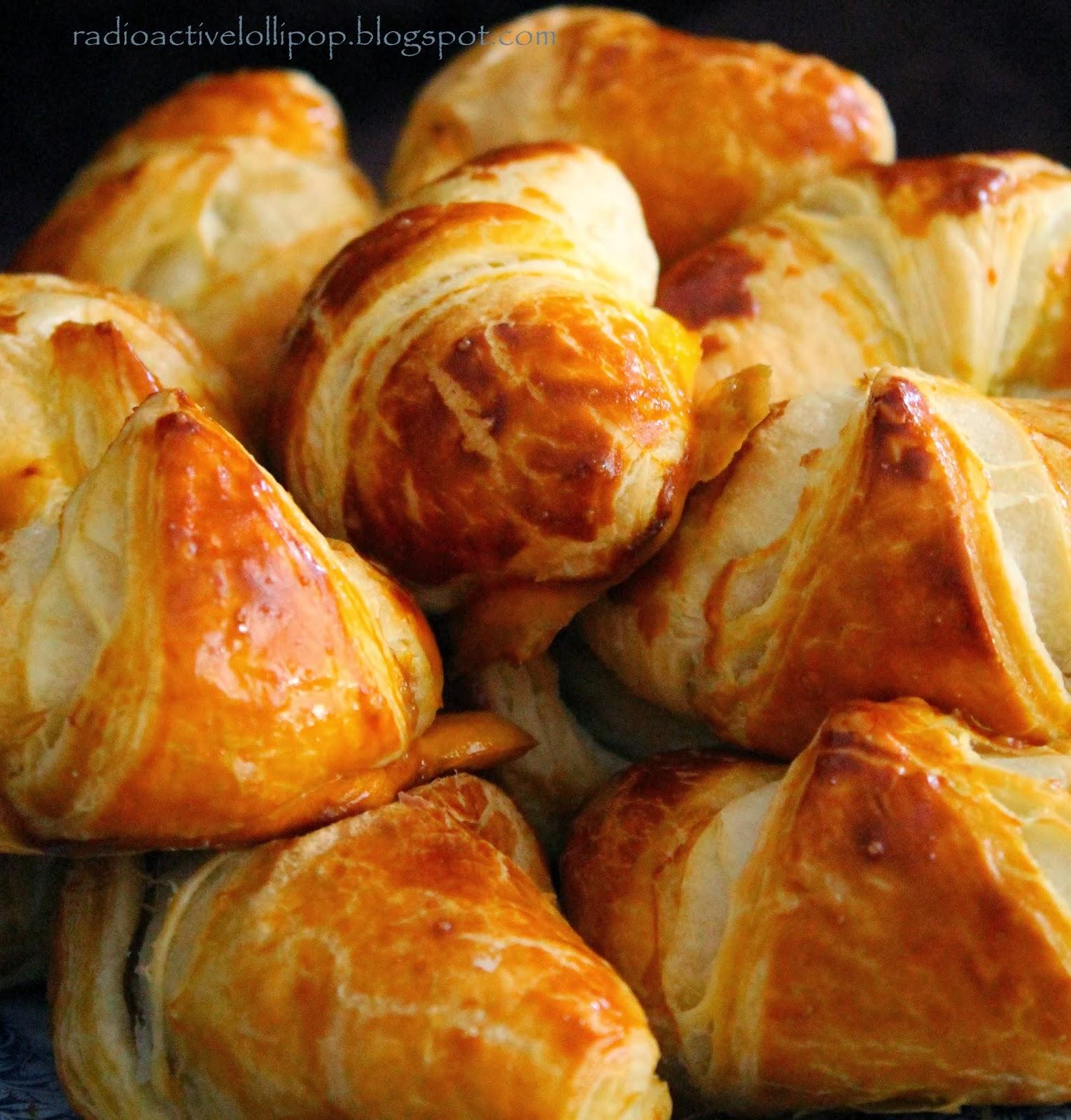 Croissant'y z marmolada różaną (rogaliki)