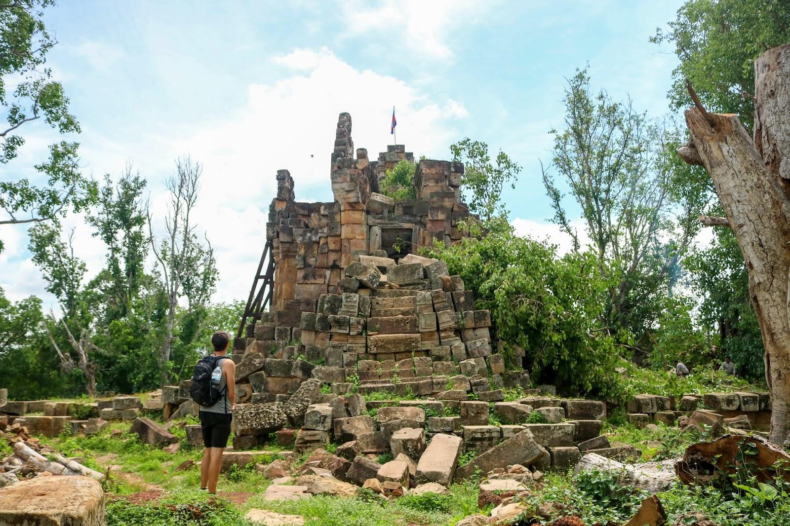 Wat Phnom Ek