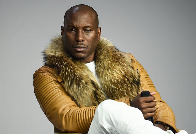 http://www.g4celeb.com/2017/11/tyrese-attacked-by-fans-to-defend-co.html