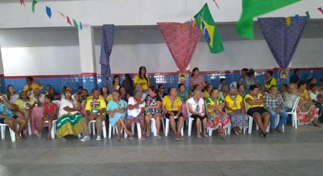 Prefeitura de Olho d' Água do Casado realiza Arraiá do SCFV