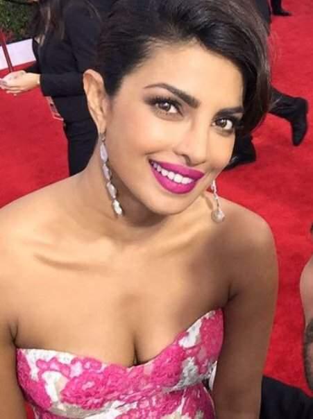 Priyanka Chopra hot at Oscars 2016