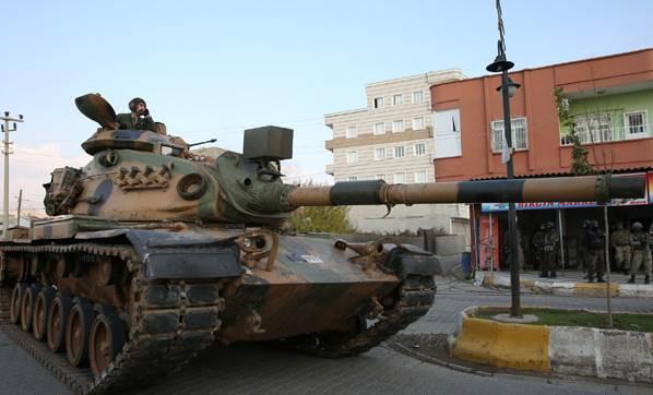 Σε κατάσταση ύψιστου συναγερμού ο τουρκικός στρατός