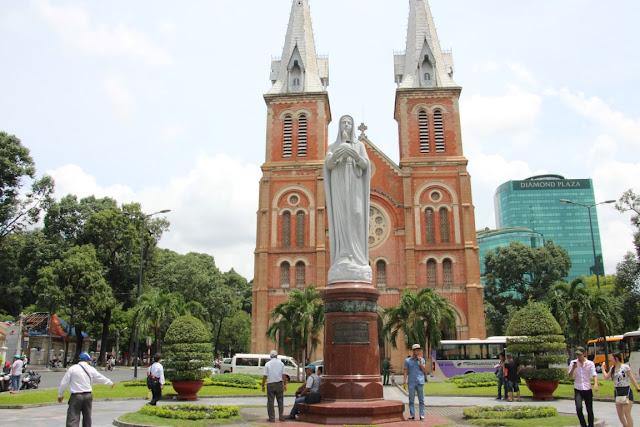 "Kathedrale ""Notre Dame"" in Saigon (C) JUREBU"