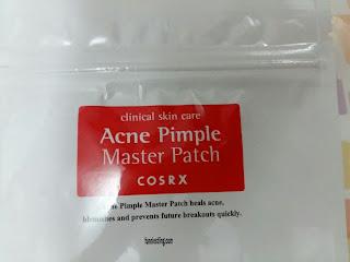Bagian atas dari COSRX Acne Pimple Master Patch