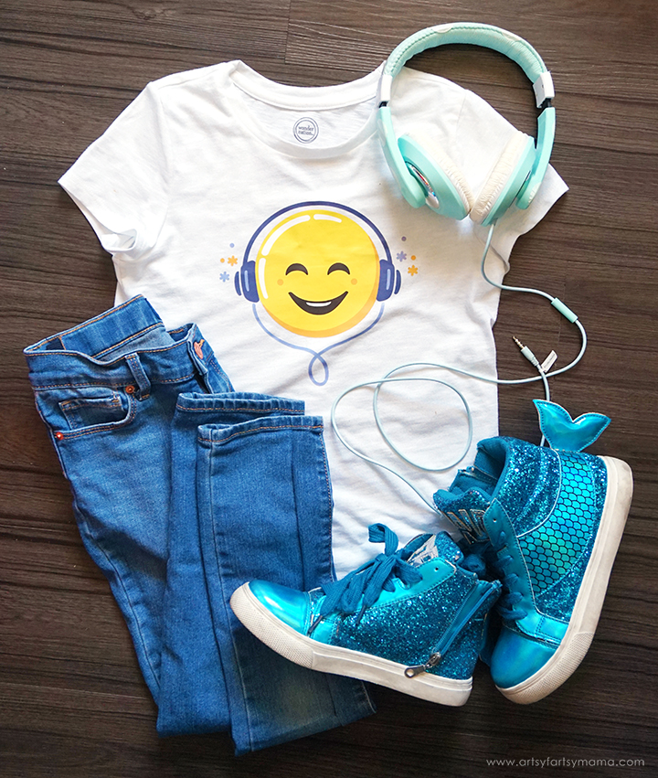 Headphones Emoji Tee with Cricut Iron-On Designs