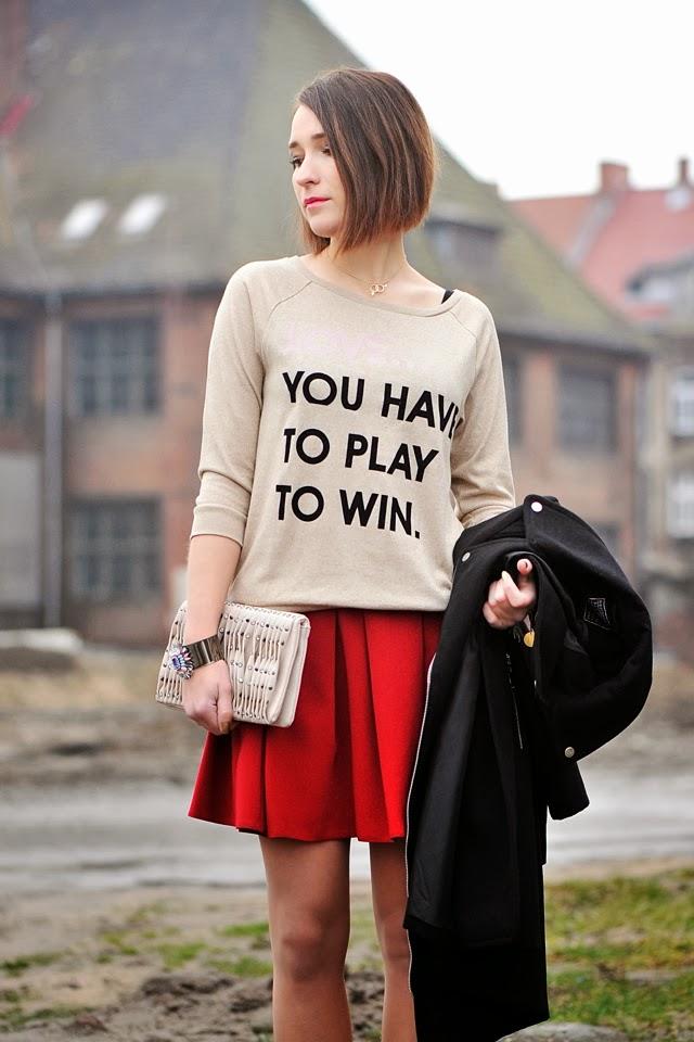 bluza z napisem reserved