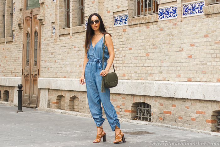 Blogger influencer con ideas con estilo de looks con monos
