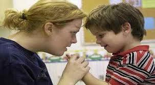 Faktor yang harus diperhatikan menghadapi anak autis