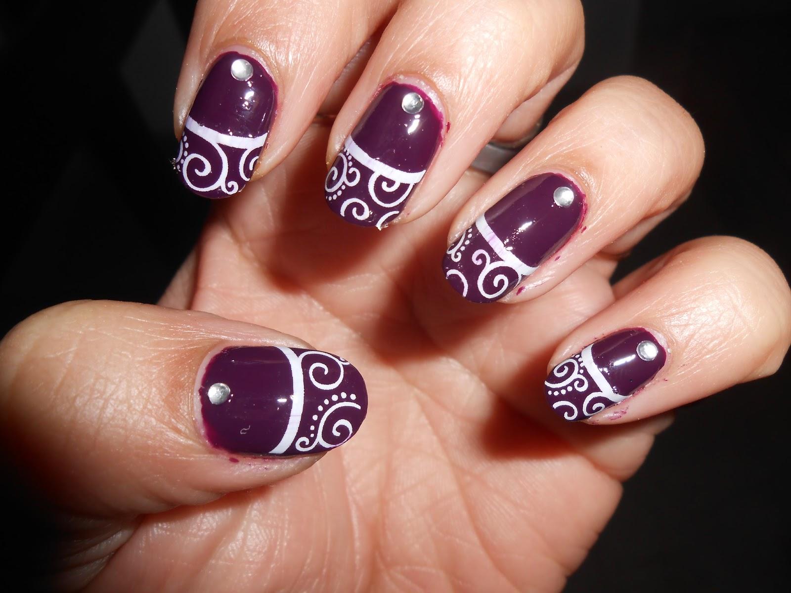 Cute nails: beautiful swirl nails : 2 designs.