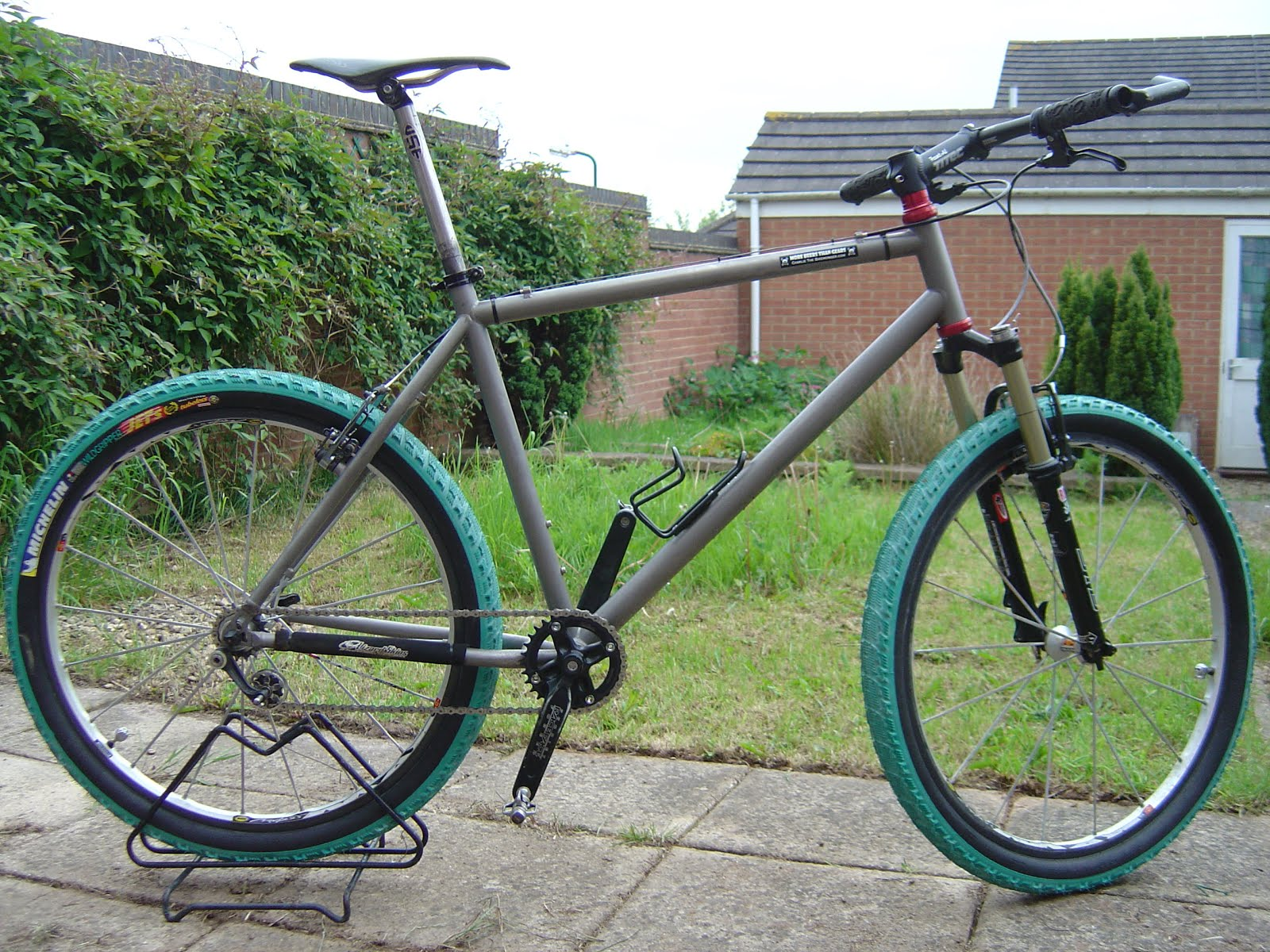 Paul's Viper Fugitif (recovered), Giant TCR2, Raleigh Cougar