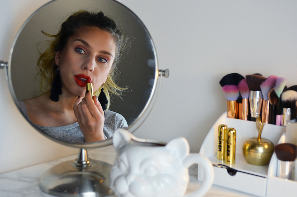 http://www.thisissimplyme.com/2017/11/mdmflow-lipstick-review.html