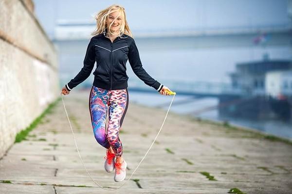 12 Manfaat Lompat Tali Bagi Tubuh Ternyata Luar Biasa (Tips)