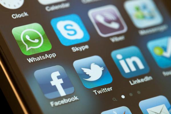 ردا على حظر خدمة VoIP: حملة لإزالة الإعجاب على صفحات شركات الاتصالات