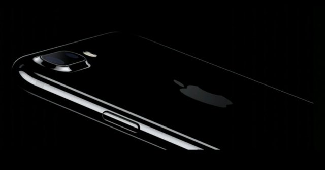 Apple launches iPhone 7, iPhone 7 Plus with black color
