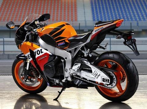 Latest Cars & Motorbikes: Top 5 Best Honda Bikes in India 2016