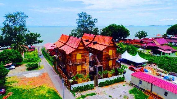 Homestay di melaka pantai pengkalan balak Kampong Pinang Sebatang Chalet