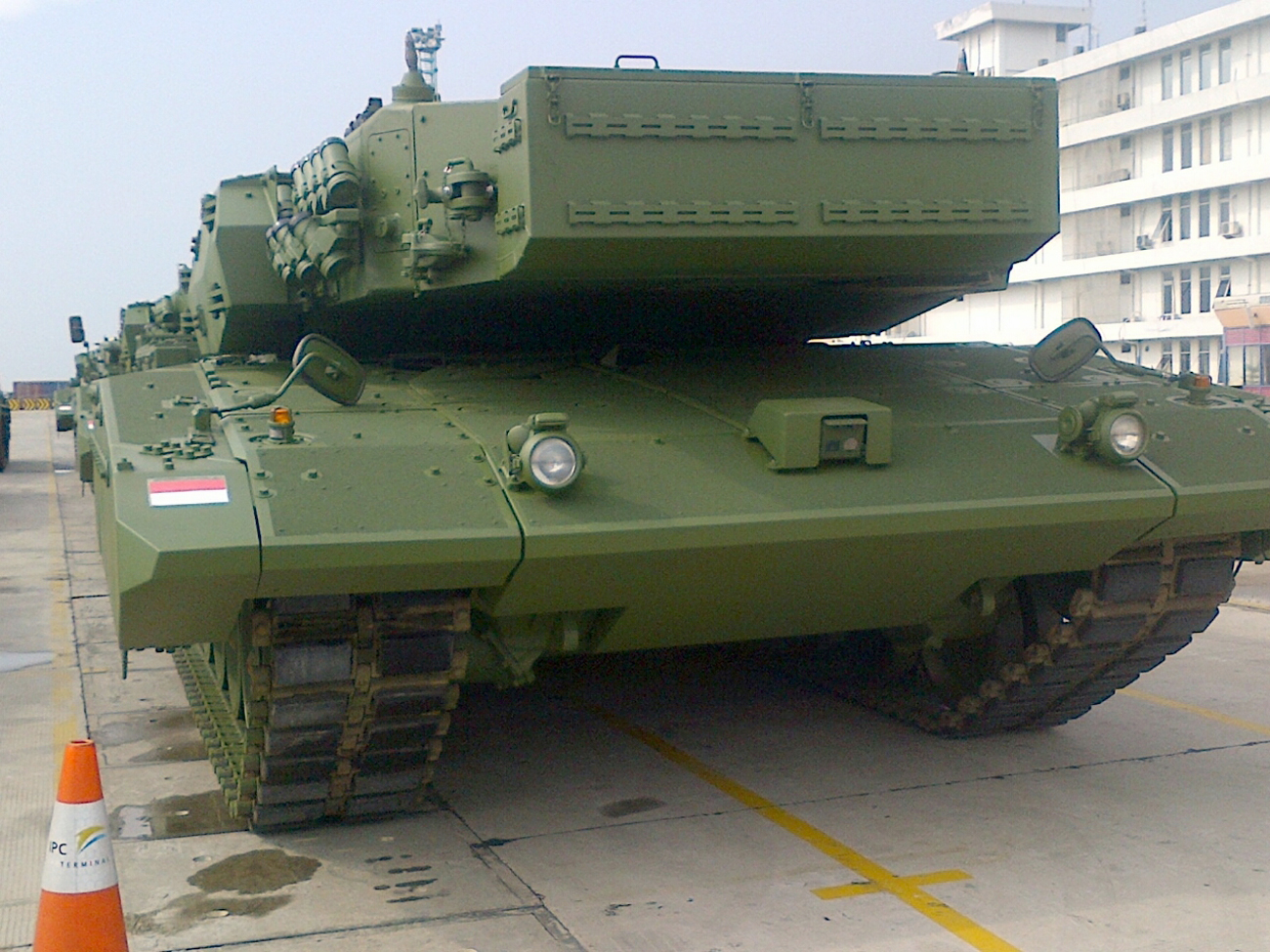 Leopard 2 Revolution RI