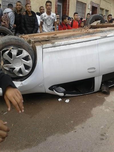 بالصور ... إصابة أربعة تلاميذ في حادثة سير مروعة أمام ثانوية الجديدة بمدينة برشيد + فيديو
