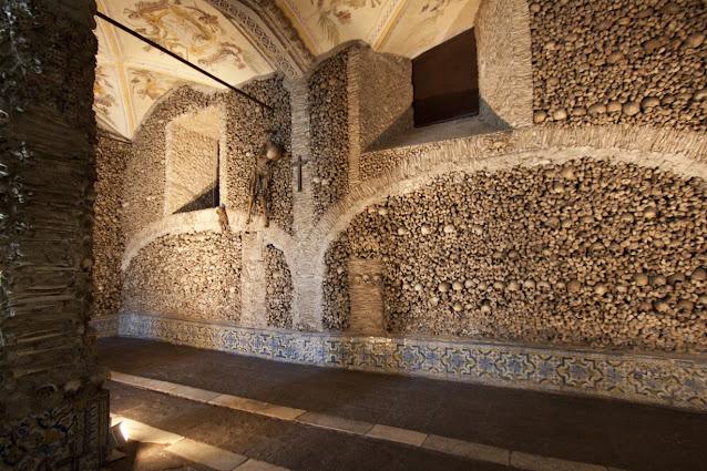 Igreja de Sao Francisco-capela dos ossos-Evora