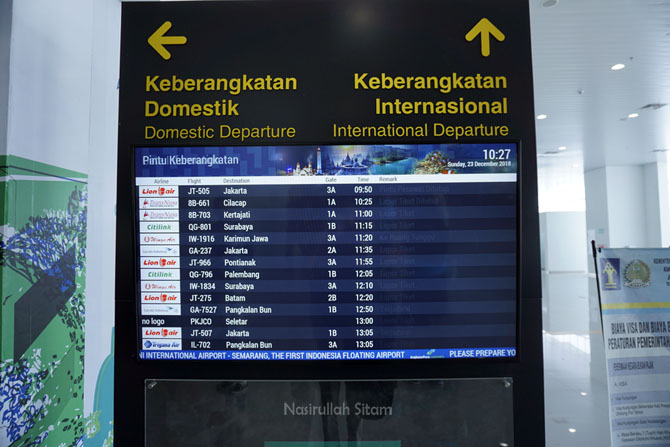 Billboard bandara Internasional Ahmad Yani Semarang