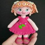 https://www.crazypatterns.net/en/items/7323/amigurumi-puppe-haekeln-mit-spiral-zoepfe-17-cm-gross