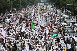 Benarkah kini Predikat Jokowi sebagai Presiden Merakyat kini luntur ? DiKarenakan Lebih Memilih Proyek dari pada Rakyat - Commando