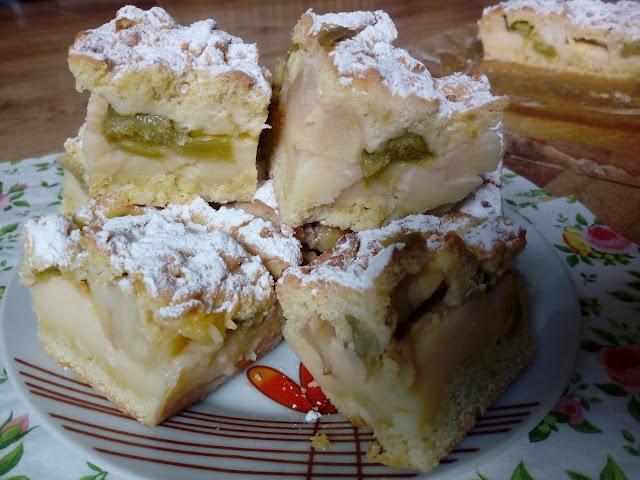 ciasto kruche z rabarbarem i jablkami ciasto kruche z budyniem ciasto kruche z owocami ciasto z kruszonka