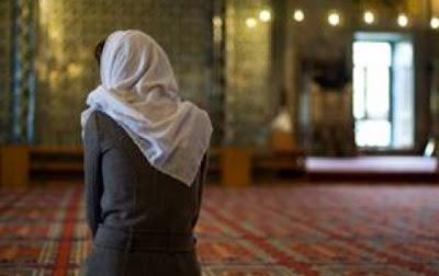 Adetli Kadin Camiye Girebilir mi-Diyanet