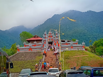 I Nyoman Cantiasa Resmikan Pura Agung Giri Cyclop Jayapura