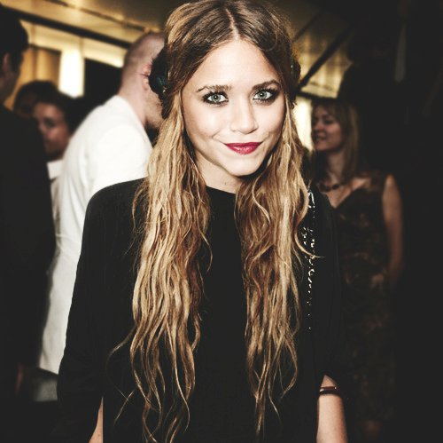 a sip of fashion baby: Olsen twins hairstyle!