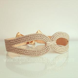 http://olgahumaza.blogspot.com.es/2014/09/c07-cinturon-cuerda-pasamaneria-dorado.html