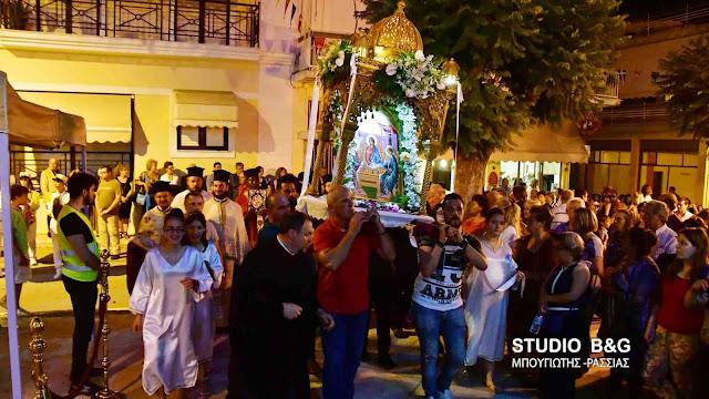 Γιορτάζει ο Ιερός Ναός της Αγίας Τριάδος στην Πρόνοια Ναυπλίου (βίντεο)