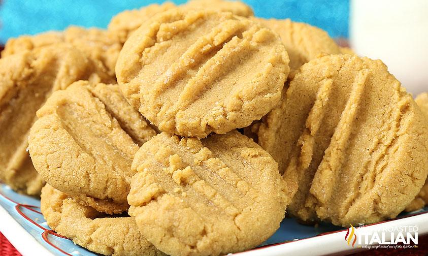 http://www.theslowroasteditalian.com/2014/12/3-ingredient-peanut-butter-cookies-recipe.html