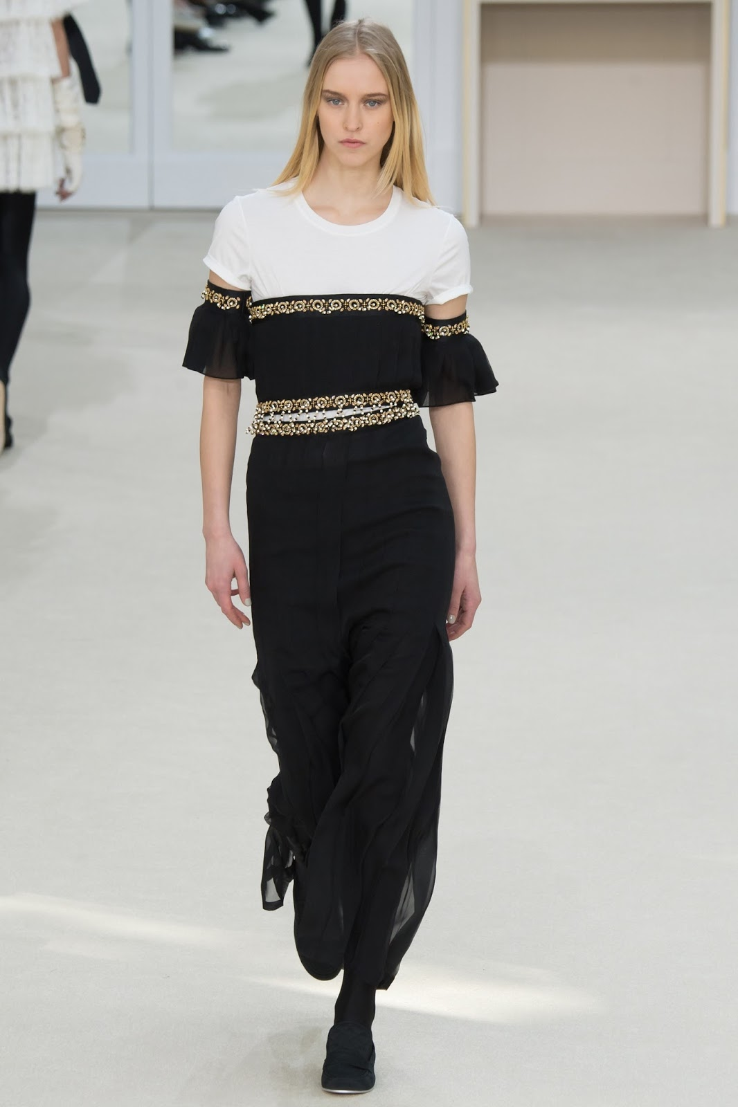 Paris fashion week best collections / Chanel Fall/Winter 2016 via www.fashionedbylove.co.uk british fashion blog