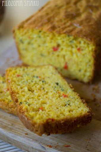 (chleb kukurydziany z chili