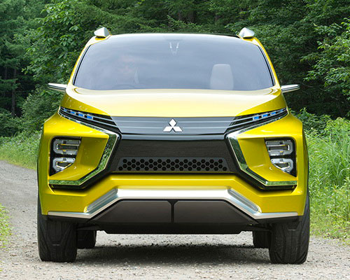 Tinuku.com Mitsubishi XM Concept luxurious style design displayed on small crossover MPV