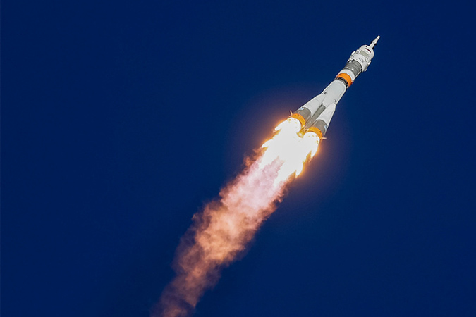 Penelitian Russian Soyuz spacecraft makes emergency landing after launch failure