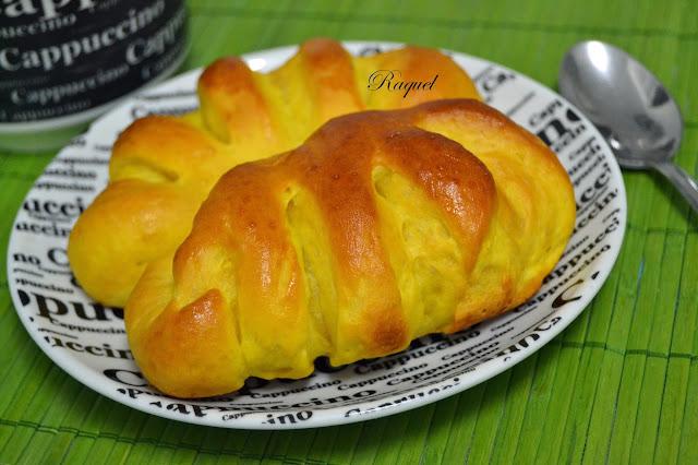 Bollitos De Pan Con Leche Condensada Y Calabaza
