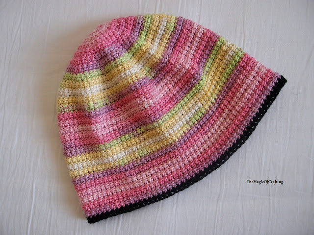 Free crochet patterns and DIY, crochet charts: The Smiley Hat