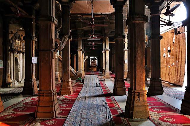 interiors rani rupmati mosque ahmedabad