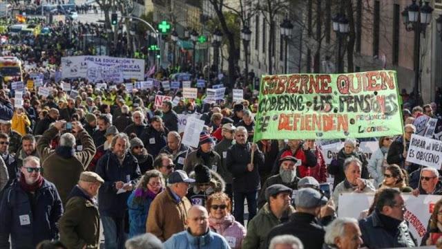 Masivas marchas en toda España contra la norma sobre pensiones
