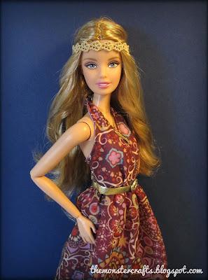 http://themonstercrafts.blogspot.com/2016/10/doll-review-barbie-look-music-festival.html