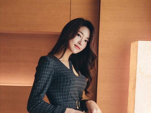 Park Jung Yoon - Grey Cubed Dress #1