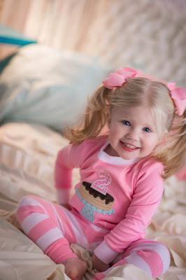 Pajama birthday kids photo shoot. Pancakes and pajamas party