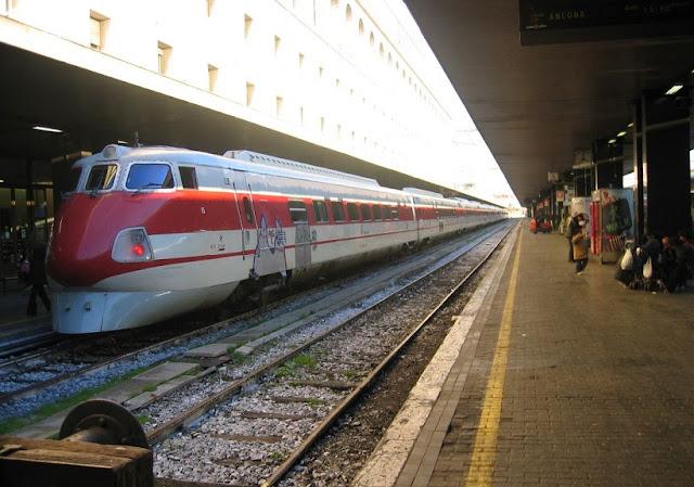 Viagem de trem de Roma a Pisa