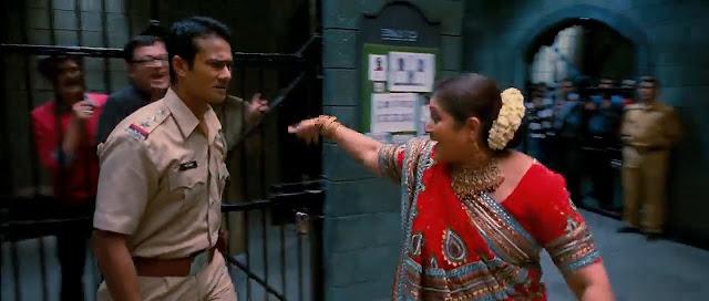 Khichdi The Movie 2010 Full Movie 300MB 700MB BRRip BluRay DVDrip DVDScr HDRip AVI MKV MP4 3GP Free Download pc movies
