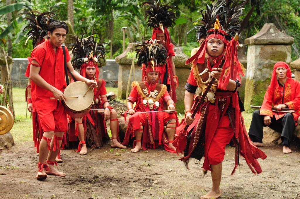 Wisata Adat Manado