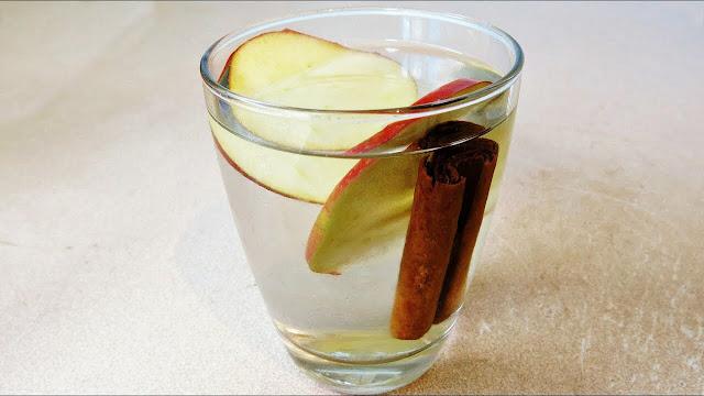 como-hacer-agua-de-manzana-con-avena