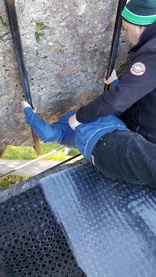 Flyfour kissing the Blarney Stone